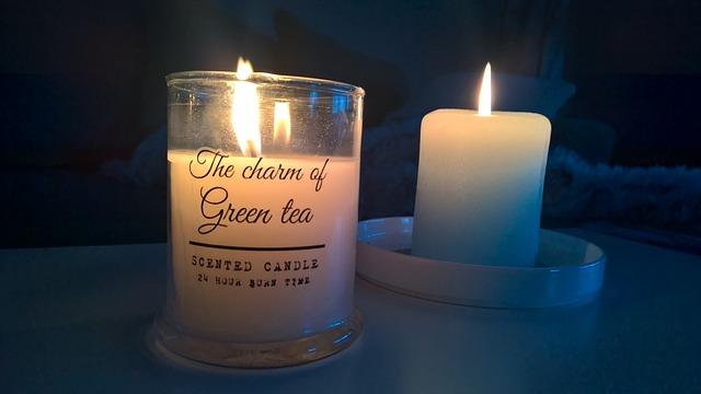 svíčka s vůní zeleného čaje