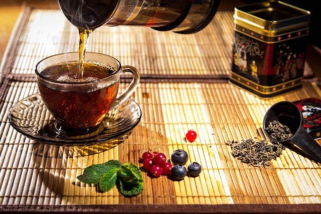 nalévání čaje.jpg