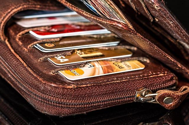kreditky v peněžence.jpg