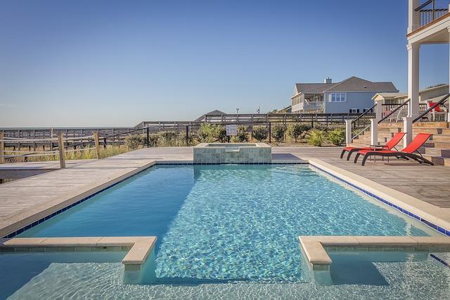 bazén na pobřeží.jpg