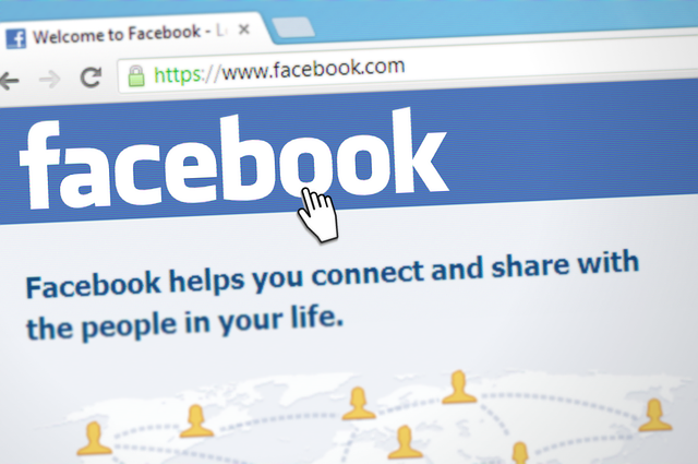 sociální síť facebook a kurzor