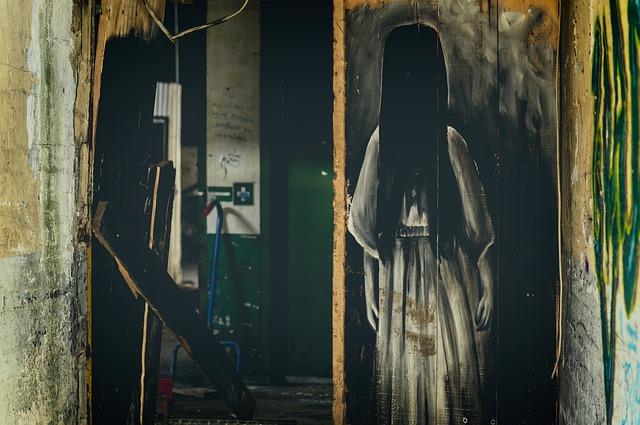 dívka z hororu