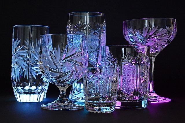 sklo, broušený křišťál