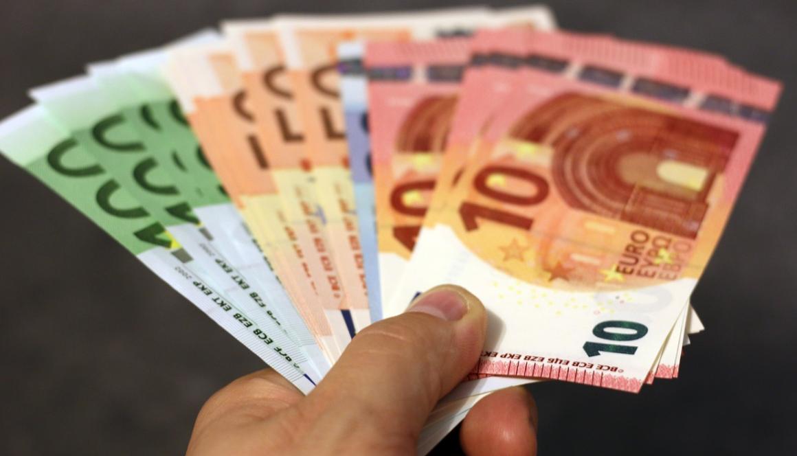 papírové peníze